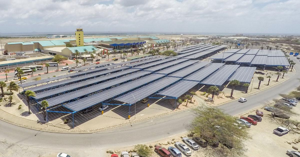 Tendencia_82_Preview_Sostenibilidad_Aruba_Paneles_Aeropuerto